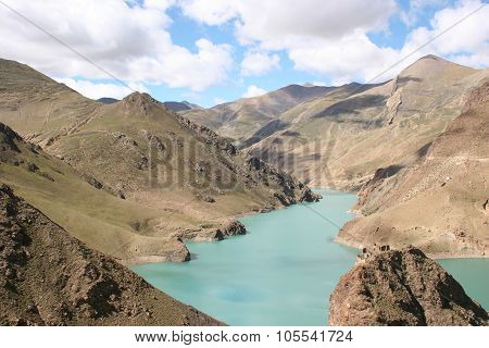 Manla Reservoir  In Tibet