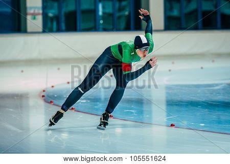 man skater runs his race