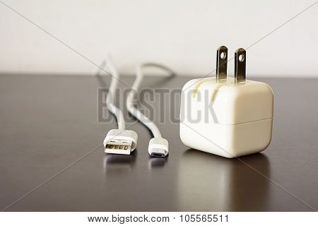 Charger & USB cable