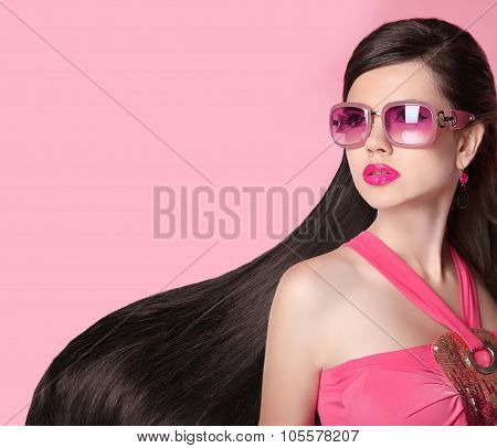 Hair. Beautiful Brunette Girl. Healthy Long Hairstyle. Fashion  Sunglasses. Beauty Model Woman. Glam