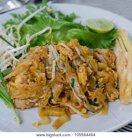 Thai Food Pad Thai , Stir Fry Noodles With Pork