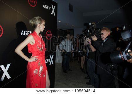 LOS ANGELES - OCT 20:  Carolyn Stotesbery at the TNT's