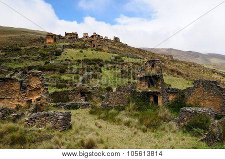 Piruro Pre Columbian Ruins Near Tantamayo, Peru,