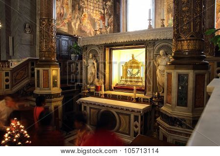 Saint Peter Chains