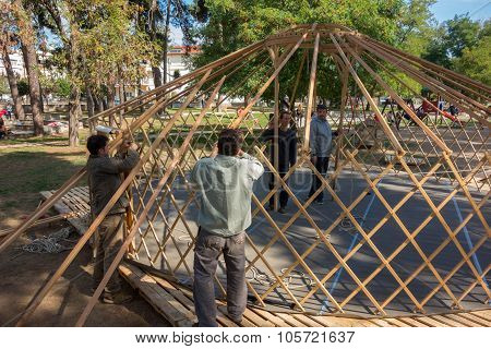 Construction Scene Yurt