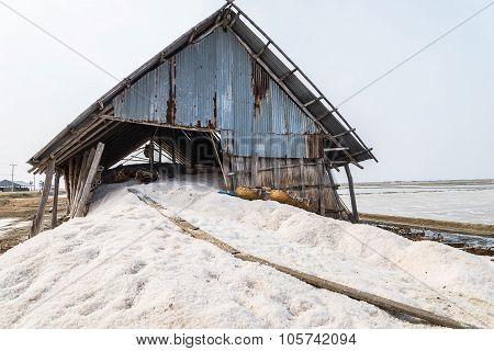 Warehouse for store salt