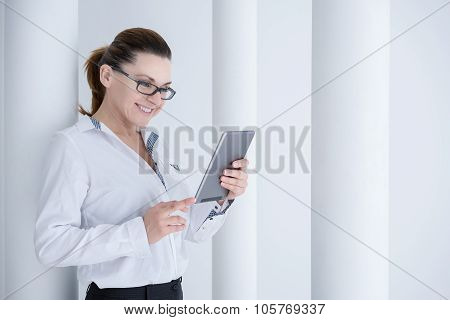 businesswoman using his digital tablet