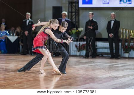 Minsk, Belarus -september 27, 2015: Tchizhik Svyatoslav And Lepko Veronika Perform Juvenile-2 Latin-