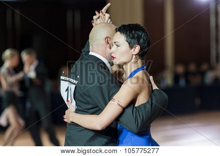 Minsk, Belarus - September 27, 2015: Professional Belarussian Couple Perform Pro-am Program Of Argen