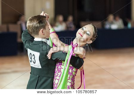 Minsk, Belarus-september 27, 2015: Shvedov Michail And Zelenskaya Anastasiya Perform Juvenile-1 Stan