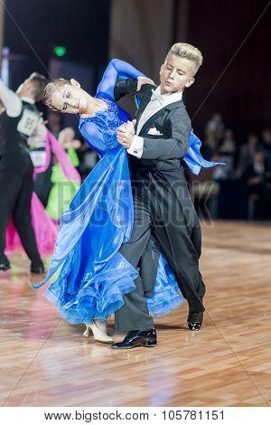 Minsk, Belarus-september 27, 2015: Volkov Iliya And Artemieva Ekaterina Perform Juvenile-1 Standard