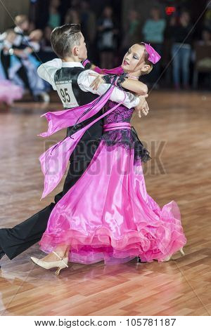 Minsk, Belarus-september 27, 2015: Panysh Denis And Komar Irina Perform Juvenile-1 Standard Program