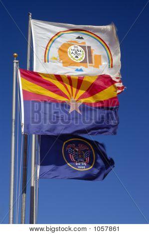 Banderas de Utah, Arizona y la nación Navajo