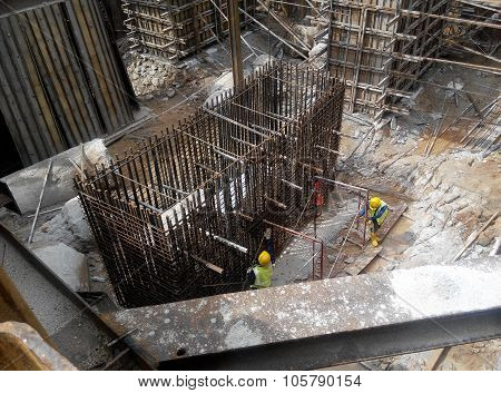 Pile cap reinforcement bar fabricated at the construction site