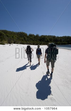 Three Hikers In Australia 6