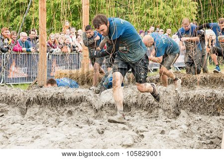 Tough Mudder 2015: Shocking Ii