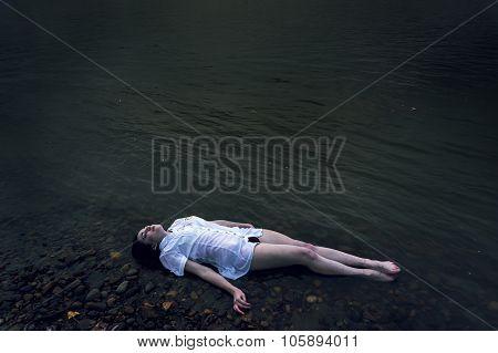 Dead Girl Lying On The Rock