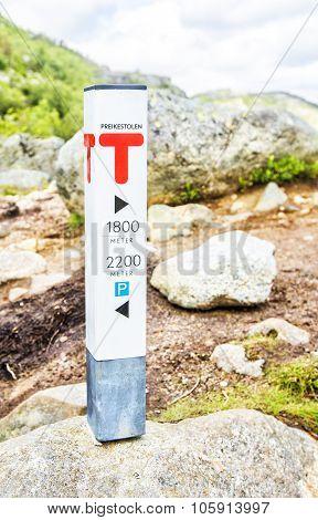 Directing sign to Preikestolen Rock.