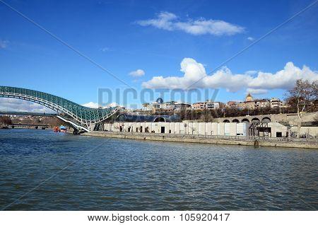 The Bridge Of Peace - Futuristic Pedestrian Bridge Over The Kura River. Tbilisi