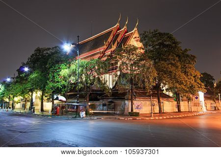 Bangkok, Thailand - April 13, 2015: Wat Pho Known Also As The Temple Of The Reclining Buddha At Nigh