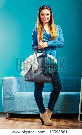 Fashion Woman Wearing Blue Denim With Bag