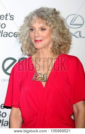 LOS ANGELES - OCT 24:  Blythe Danner at the Environmental Media Awards 2015 at the Warner Brothers Studio Lot on October 24, 2015 in Burbank, CA