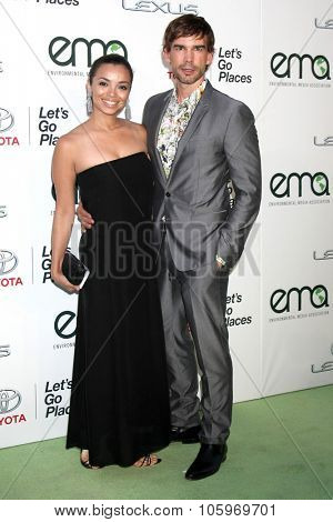 LOS ANGELES - OCT 24:  Anel Lopez, Christopher Gorham at the Environmental Media Awards 2015 at the Warner Brothers Studio Lot on October 24, 2015 in Burbank, CA