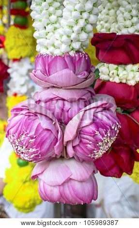 Thai lotus bud garland