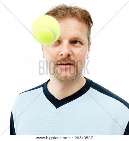 Pelota de tenis entrante
