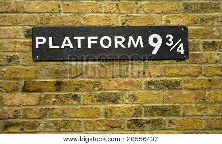 Platform 9 3/4 Closeup