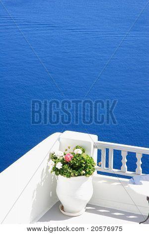 Gate to the sea - Santorini island