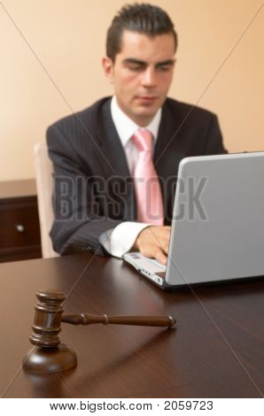 Justicia de negocios