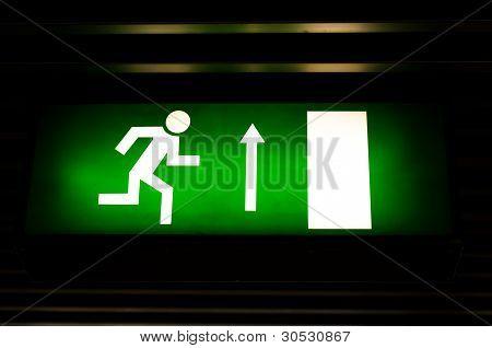 Closeup Foto eines Exits zu unterzeichnen, in der u-Bahn