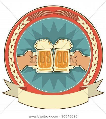 Cervezas la etiqueta fondo con manos de hombre en blanco