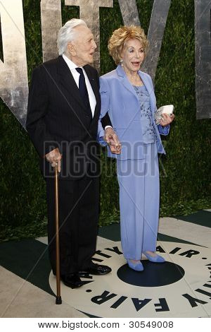 LOS ANGELES - FEB 26:  Kirk Douglas; Anne Douglas arrive at the 2012 Vanity Fair Oscar Party  at the Sunset Tower on February 26, 2012 in West Hollywood, CA
