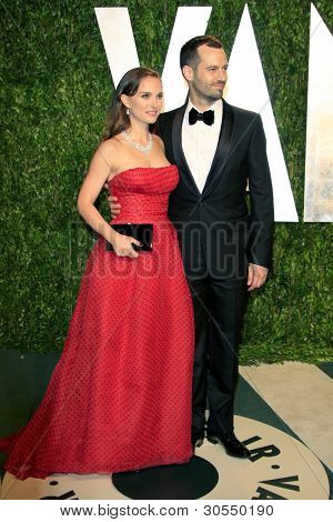 LOS ANGELES - FEB 26:  Natalie Portman; Benjamin Millepied arrive at the 2012 Vanity Fair Oscar Party  at the Sunset Tower on February 26, 2012 in West Hollywood, CA