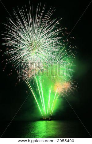 Grüne Löwenzahn Feuerwerk