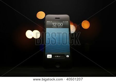 Apple iPhone 5 displaying New Year
