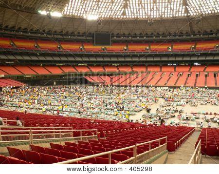 Evacuados de Katrina Astrodome