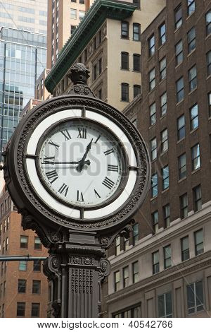 Historic Clock Of The 5Th Avenue (nyc)