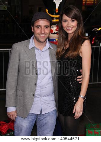 LOS ANGELES - NOV 02:  David Krumholtz & Vanessa Britting arriving to