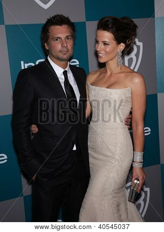 LOS ANGELES - JAN 15:  Kate Beckinsale & Len Wiseman arriving to Golden Globes 2012 After Party: WB / In Style  on January 15, 2012 in Beverly Hills, CA