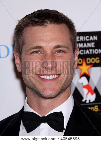 LOS ANGELES - OCT 01:  Jake Pavelka arriving to American Humane Assoc. Hero Dog Awards  on October 01, 2011 in Beverly Hills, CA