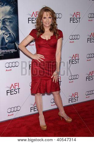 LOS ANGELES - NOV 03:  Lea Thompson arriving to