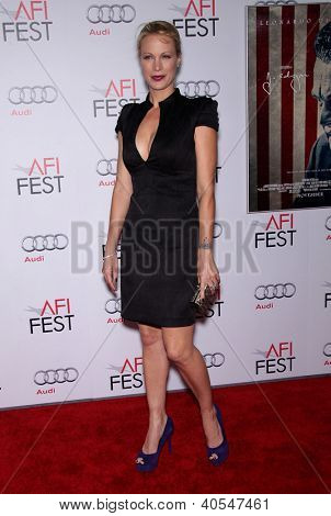 LOS ANGELES - 03 de NOV: Alison Eastwood chegando a Premiere de Los Angeles