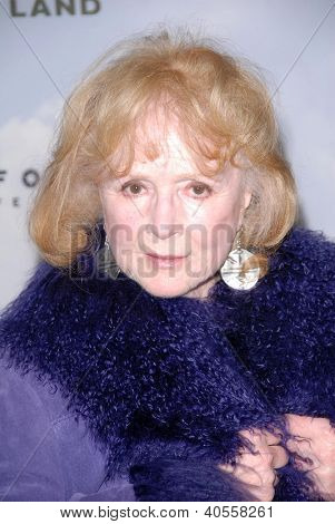 LOS ANGELES - DEC 6:  Piper Laurie arrives at the 'Promised Land' Premiere at Directors Guild of America on December 6, 2012 in Los Angeles, CA