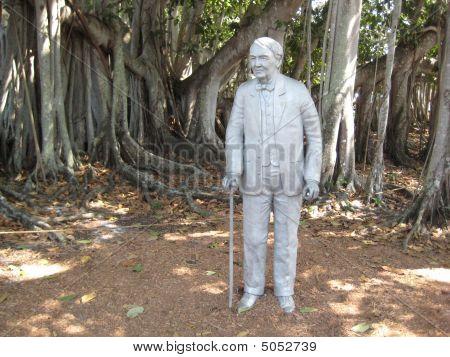 Edison Statue