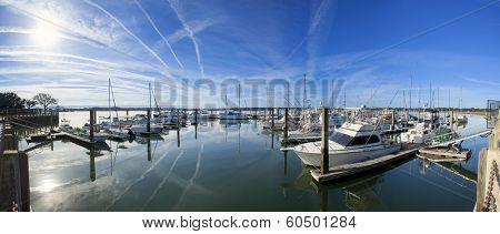 180 degree panorama of marina in beaufort, South Carolina