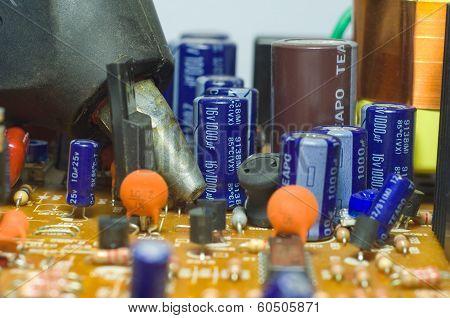 Glue Gun On A Chipset