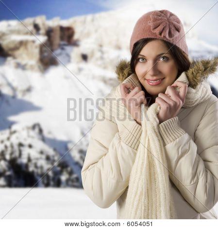 Menina doce-de-rosa chapéu
